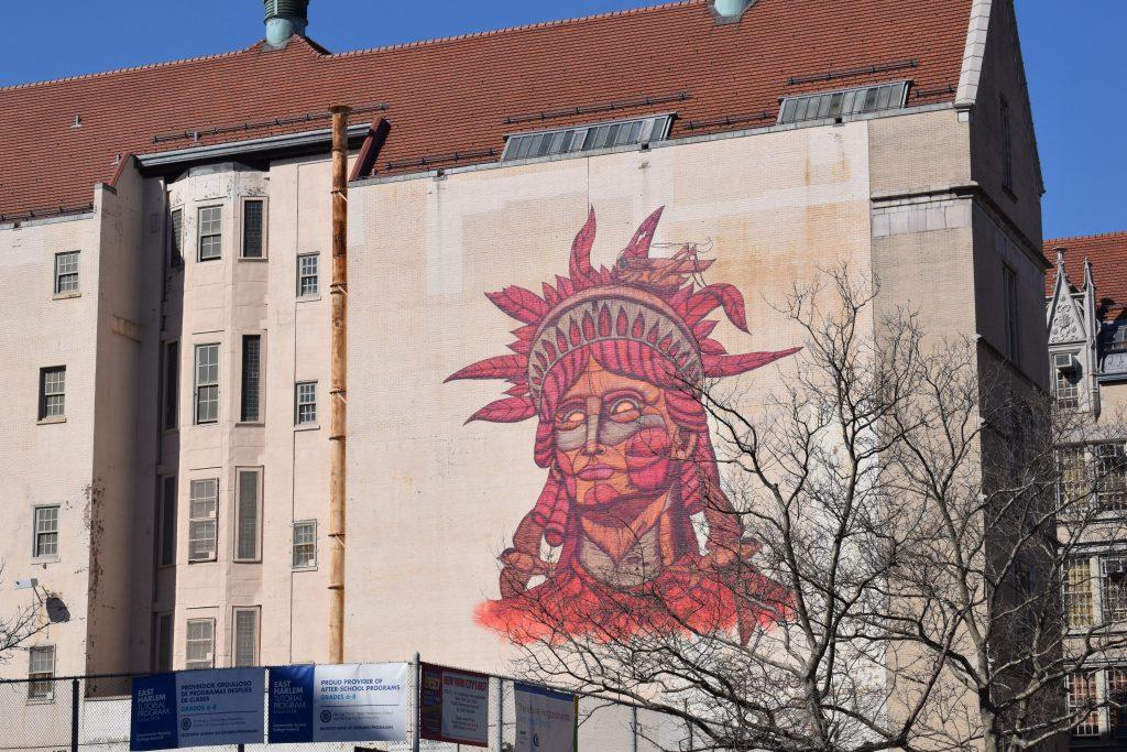 statua della libertà street art