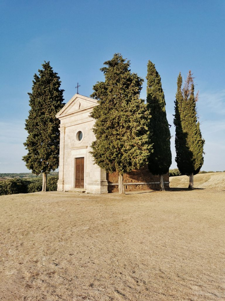 Val d'Orcia on the road